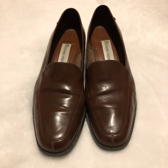6ed0b0f9fa003 Etienne Aigner Brown Shoes size 9
